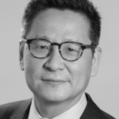 A speaker photo for Sung Lee