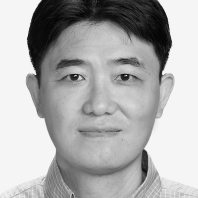 A speaker photo for Jung Yong Yang